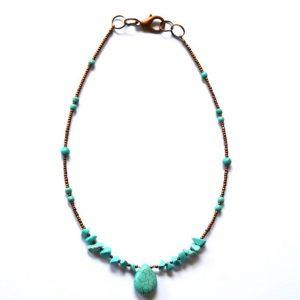 Turquoise ketting met koperkleurige kraaltjes